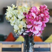 Sztuczne kwiaty w doniczce jak żywe - do domu i firmy
